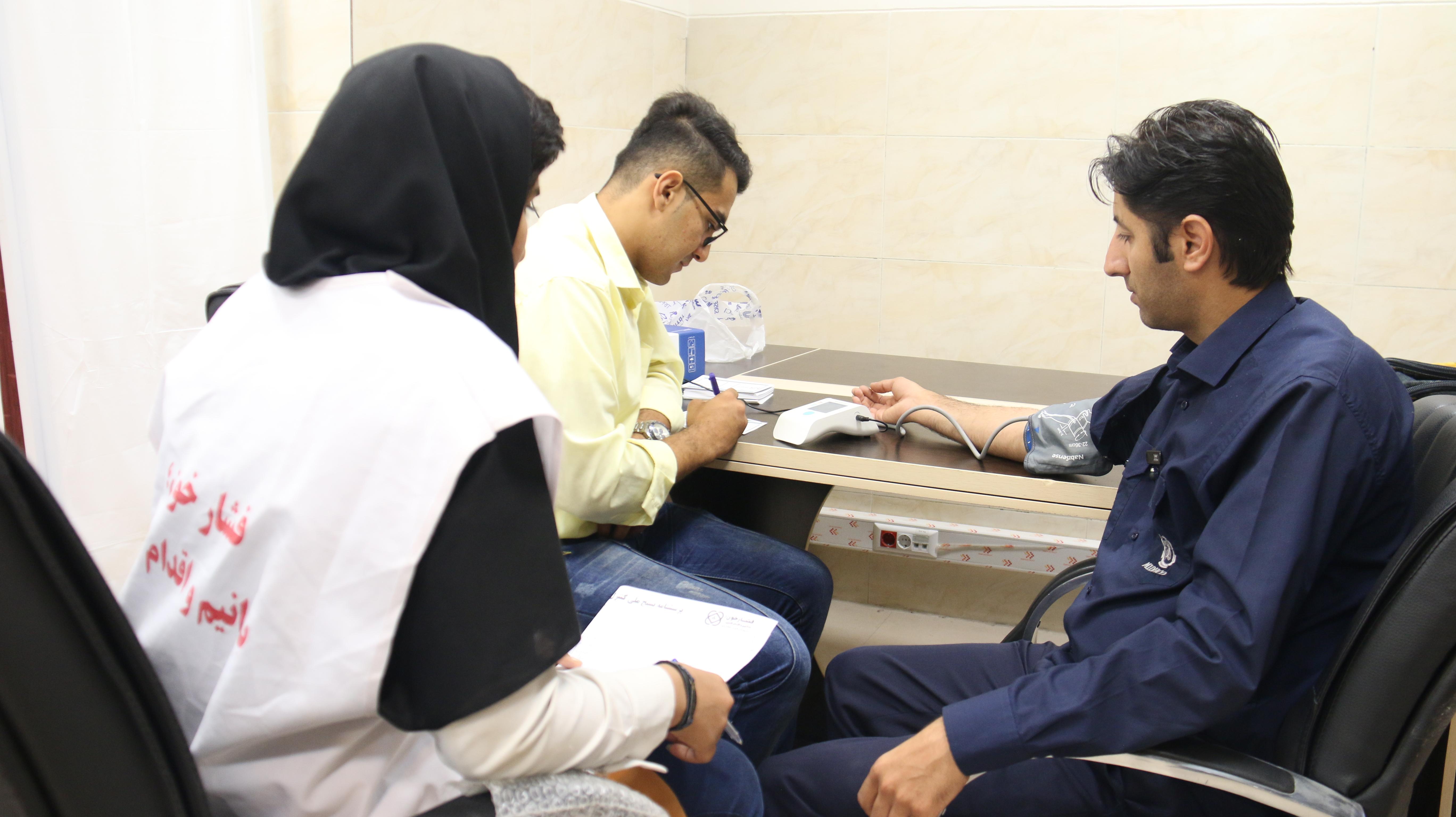 در راستای طرح ملی کنترل فشار خون، این طرح در بخشهای مختلف شرکت انجام شد