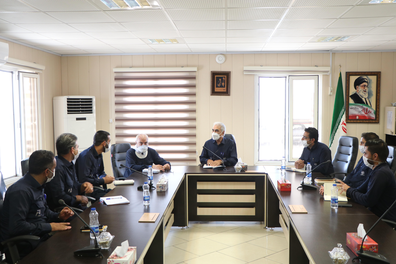 نمایندگان کارگری مجتمعهای زیسکو با مدیرعامل فولاد زرند دیدار و گفتگو کردند